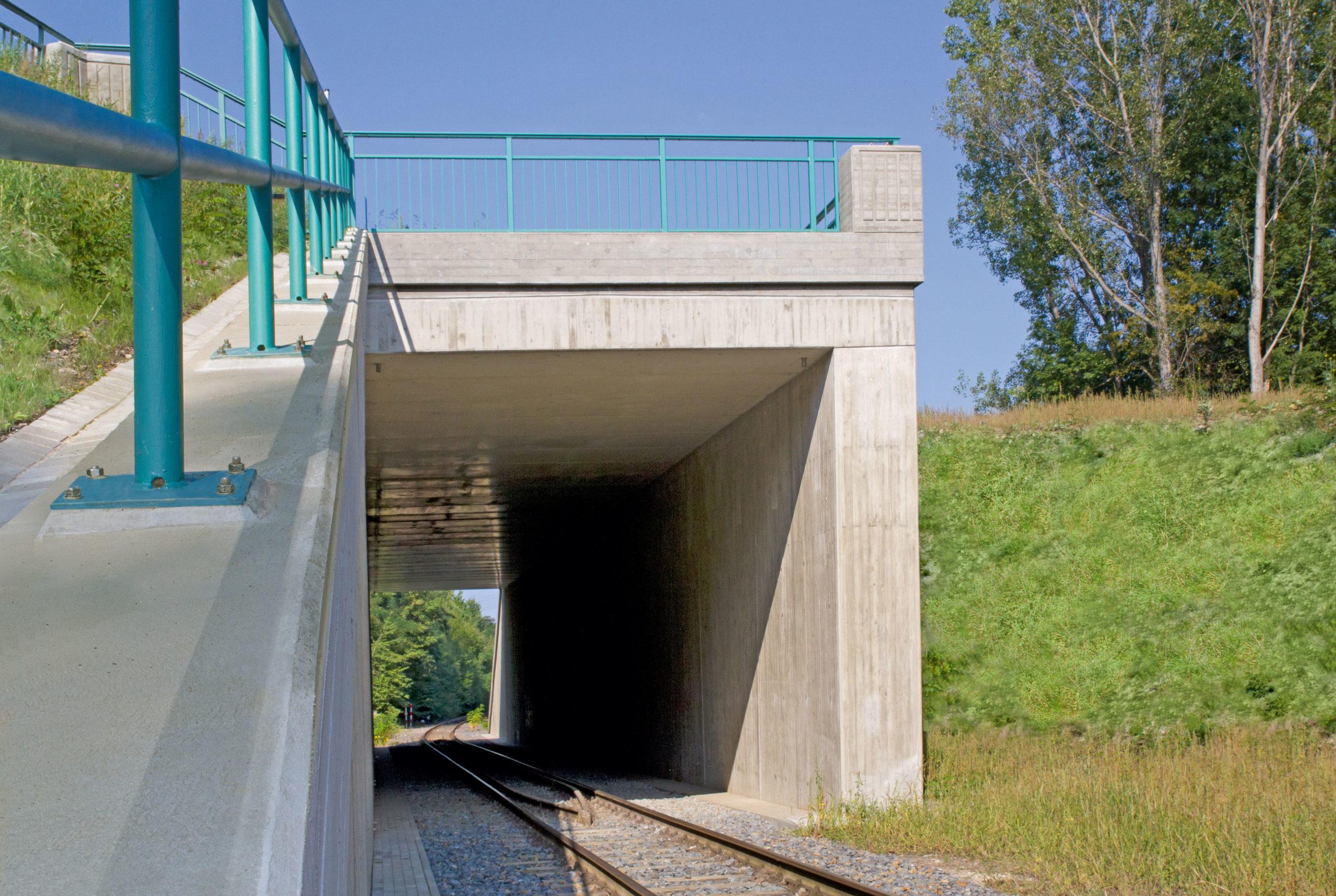 S 242 EspenhainBW 19 Brücke über die Werkbahn