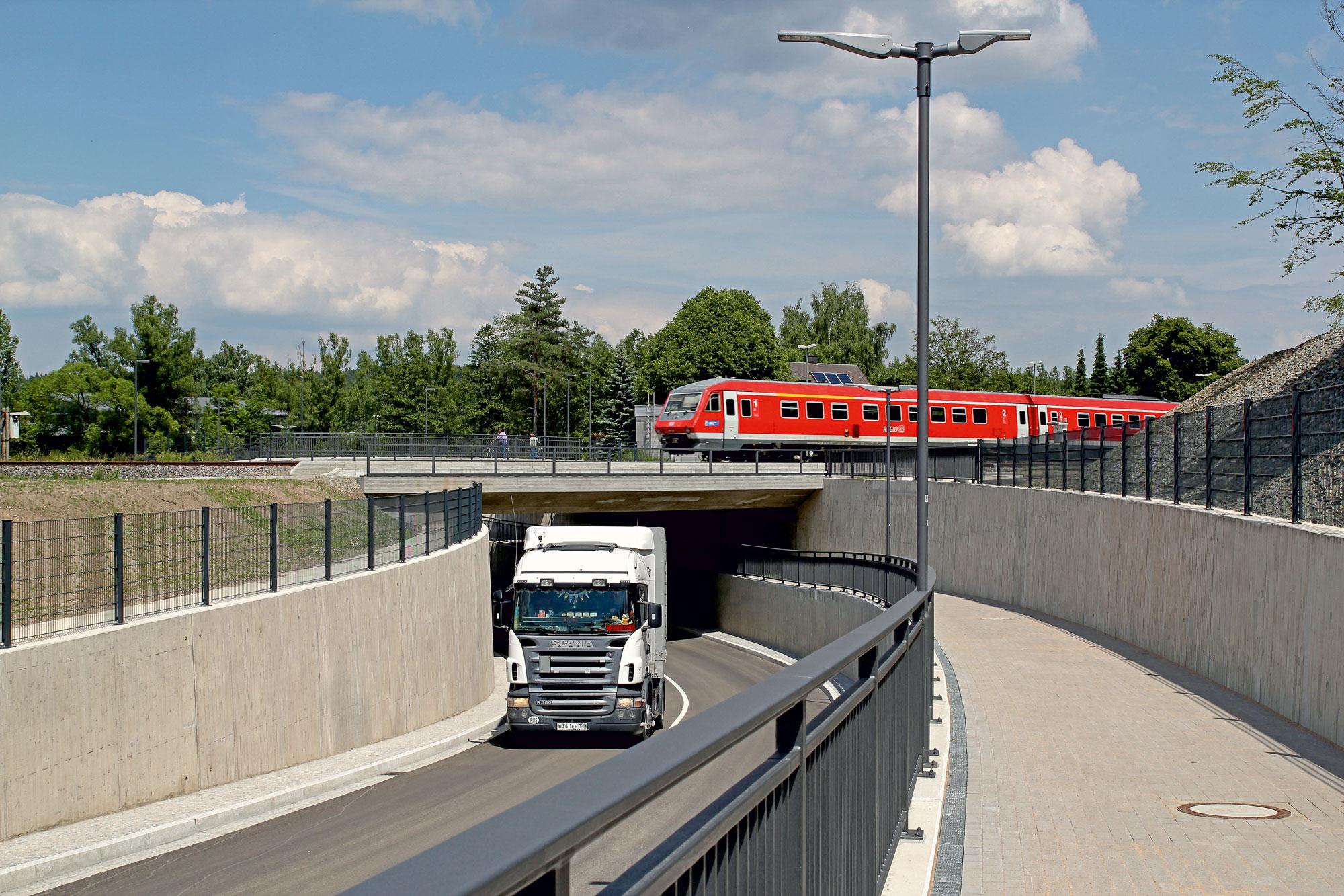 Weiherhammer Gemeindeverbindungsstraße – Bahnunterführung