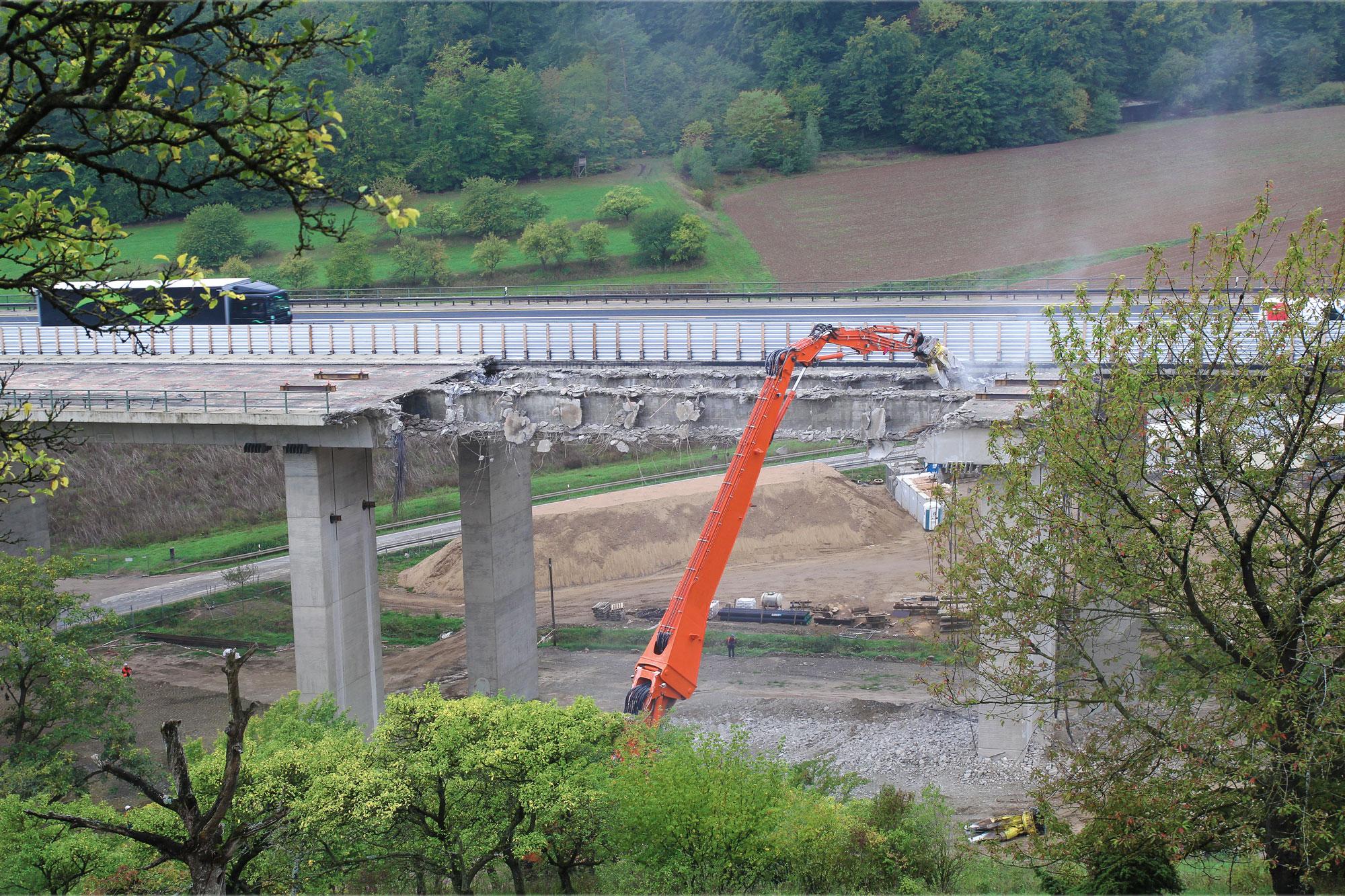 BAB A 7 AS Hammelburg Abbruch Talbrücke Klöffelsberg
